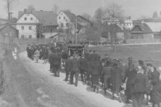 Pohřební průvod 1948